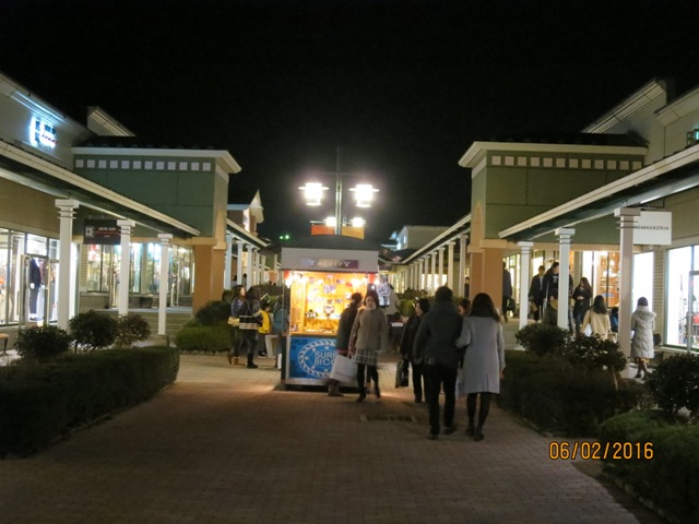 Gotemba outlet night7