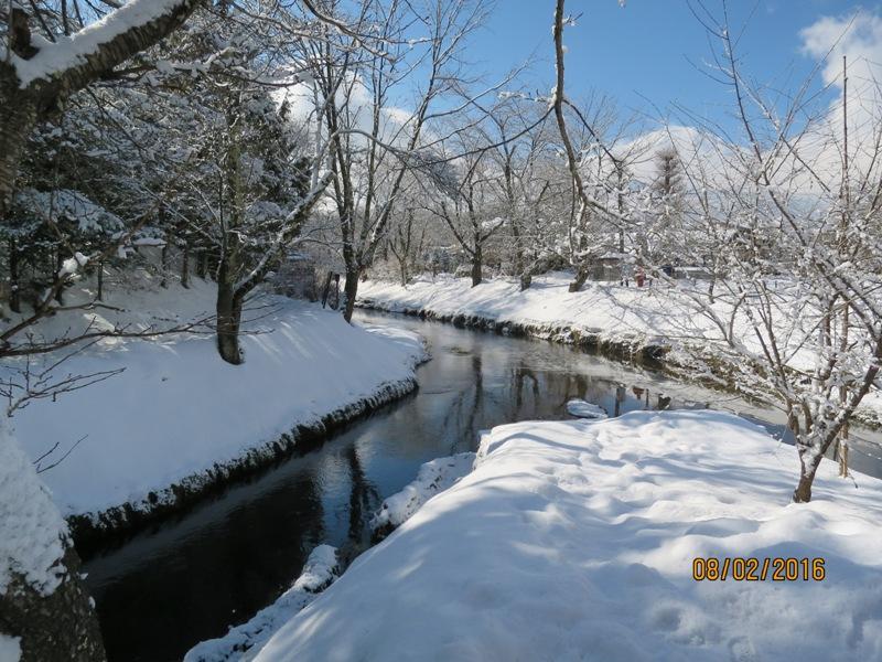 Oshino Hakkai - walk to Okamaiike