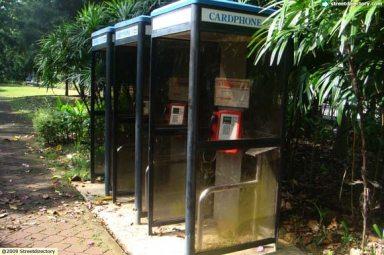 Singapore Phone booth1
