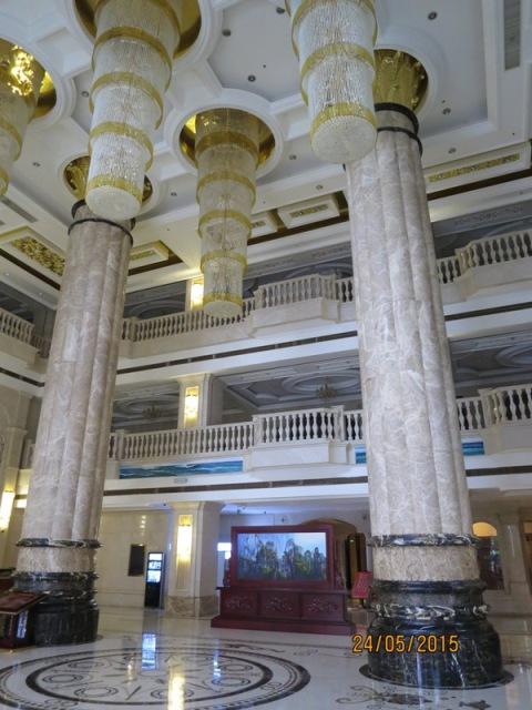 Cili Hotel Lobby2