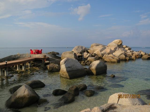 Rock boulders of Bintan10