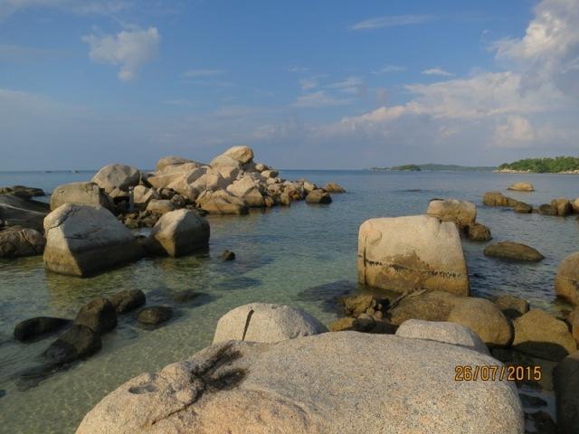 Rock boulders of Bintan8