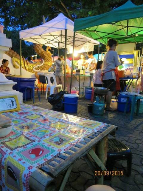 Thapae night market10