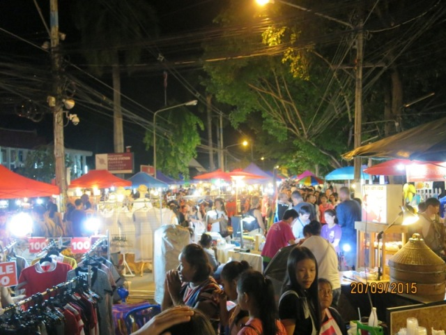 Thapae night market19