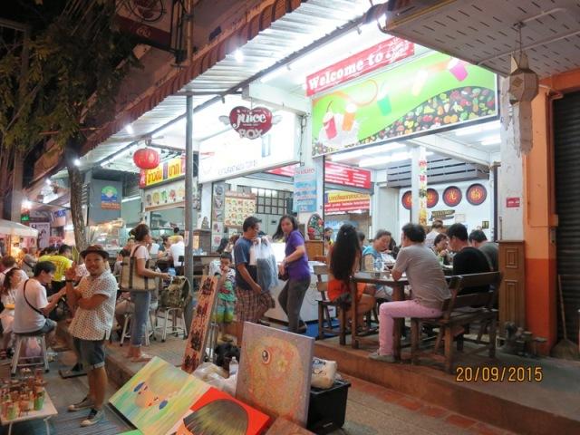 Thapae night market24