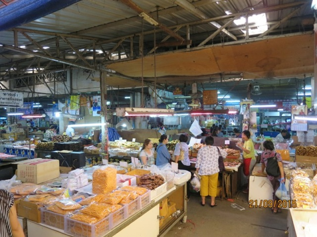 Warorot market10