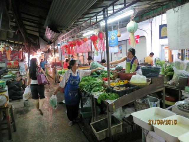 Warorot market11