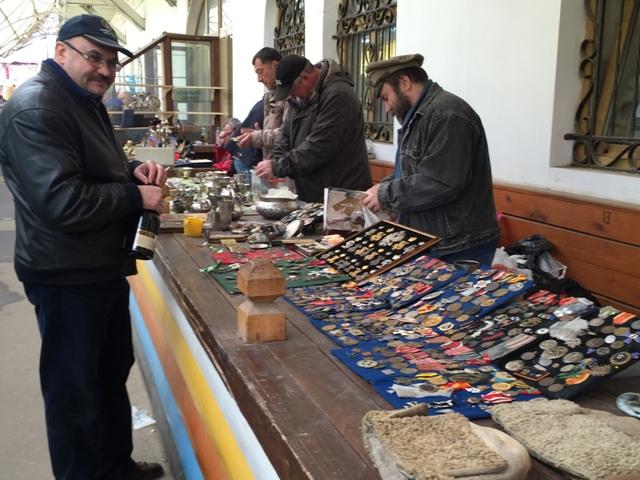 Izmaylovskaya antiques3