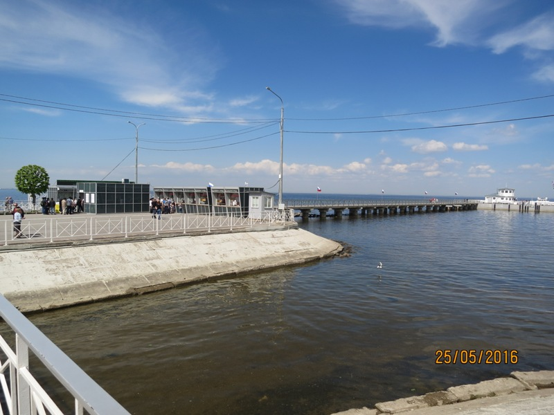 Peterhof pier2