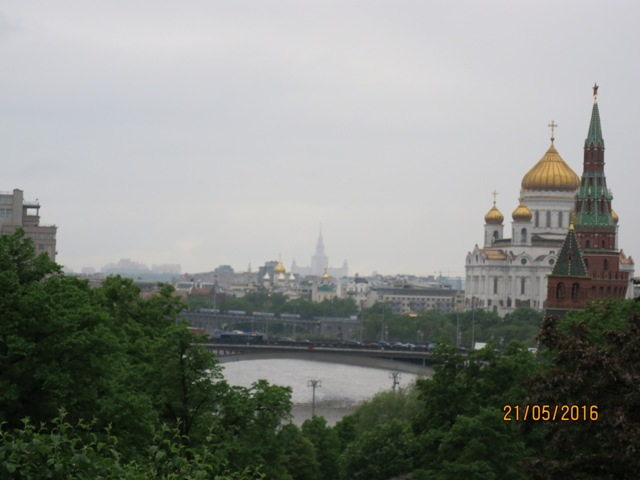 View from Krelmlin wall over Moscow river2
