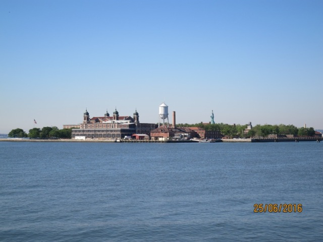 Hudson riverfront walkway1