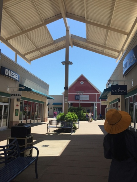 Jersey Shore outlet1