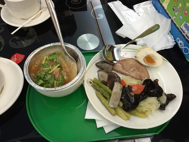 EVA lounge meal1