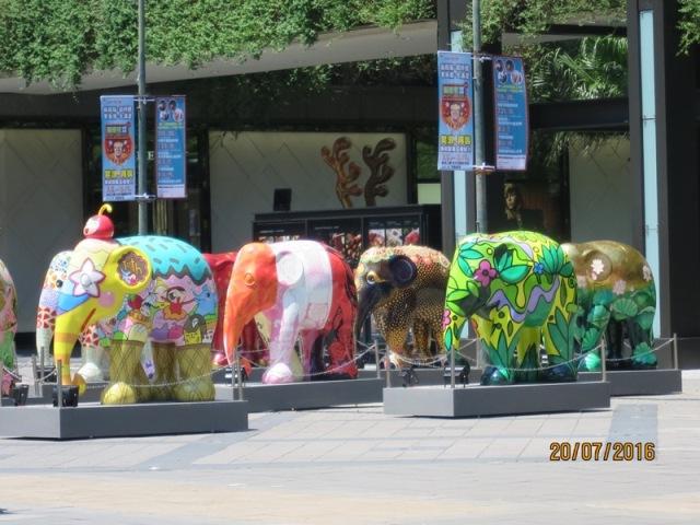 Shopping at Shinkong malls1