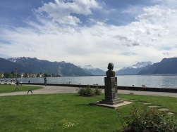 Walk to Lake Geneva Cruise2