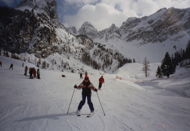 Who loves skiing?
