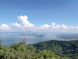 tagatay-volcano-lake03