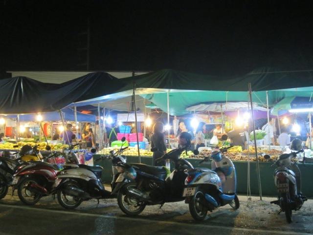 cherng-yalay-market2