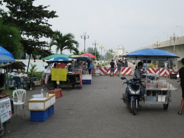 sarasin-bridge-market2