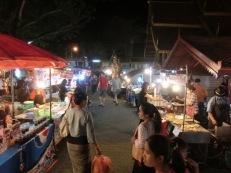thaphae-gate-market-35