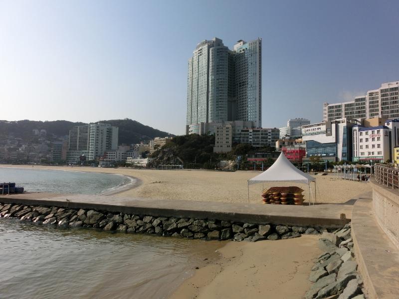 songdo-beach-and-walkway2