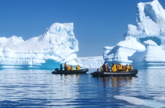Tourism in Antarctica.jpg