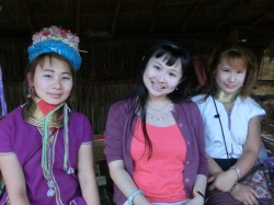 tribal-village-palong-long-neck2
