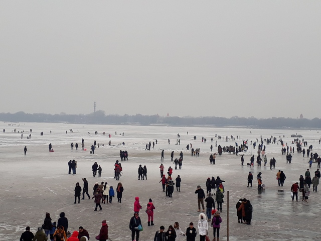 frozen-songhua-river7