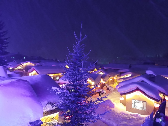 snow-town-night-light17