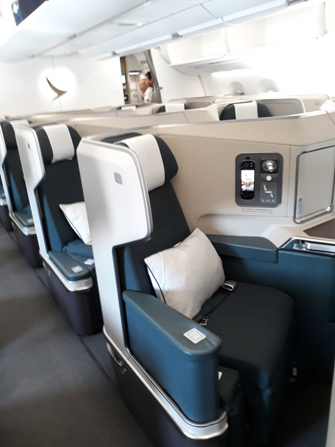 cathay-business-class5