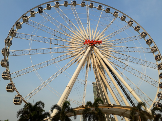 explore-asiatique10