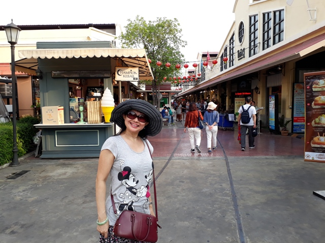 explore-asiatique4