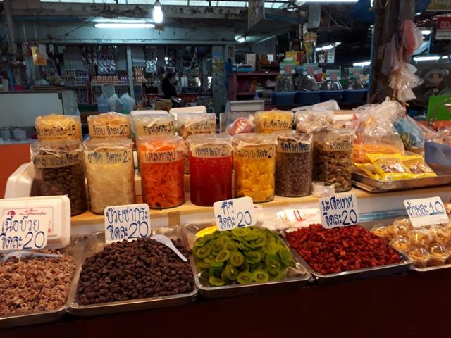 maeklong-market8
