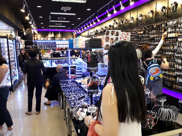 platinum-mall-shopping3