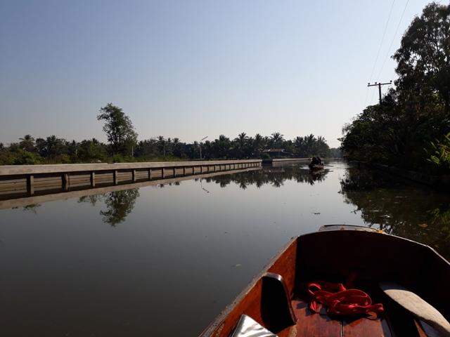 tha-kha-boat-ride8