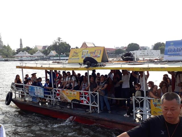 wat-pho-to-wat-arun-ferry4