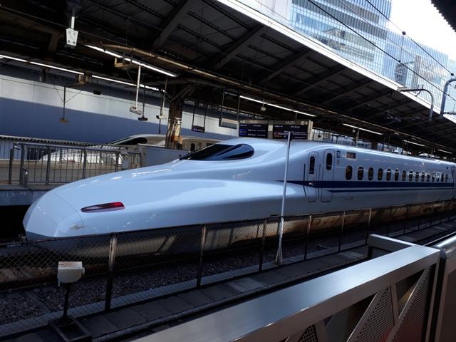 shinkansen-trains1