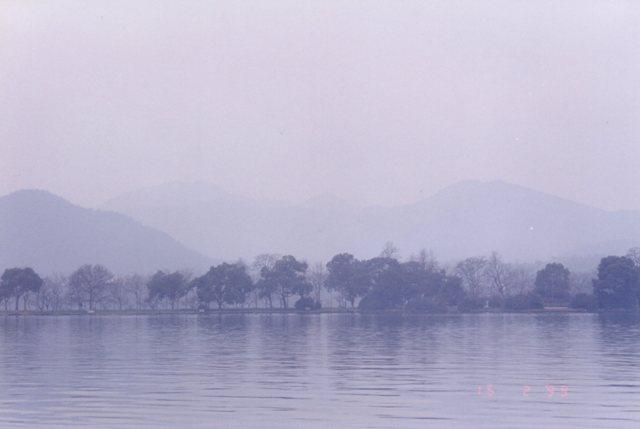 West Lake (西湖) inHangzhou