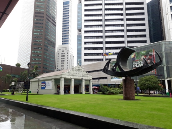 Raffles Place MRT entrance3