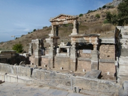 Colonnaded Way3