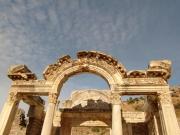Hadrian Arch1