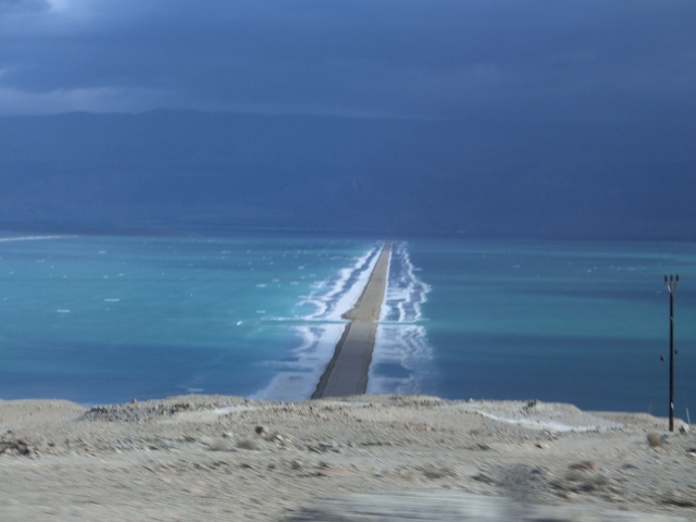 Driving to the dead sea 11