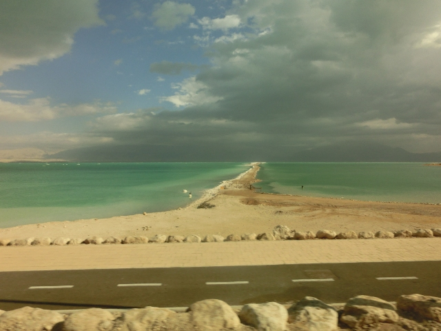 Driving to the dead sea 6