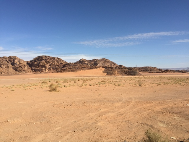 Driving to Wadi Rum 3