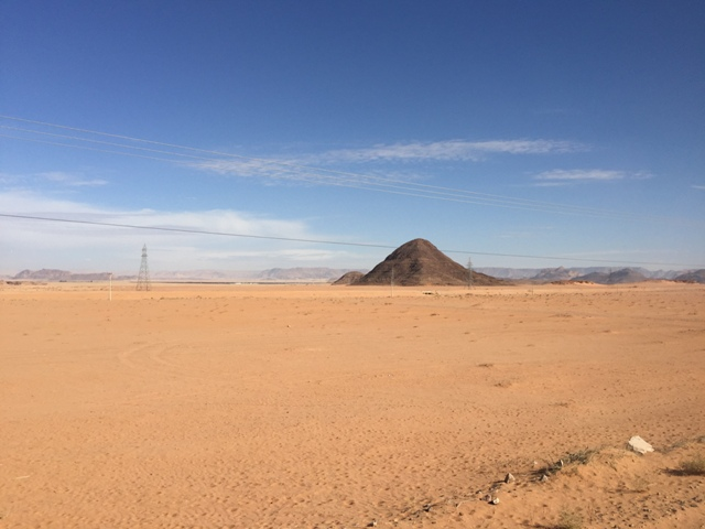 Driving to Wadi Rum 4