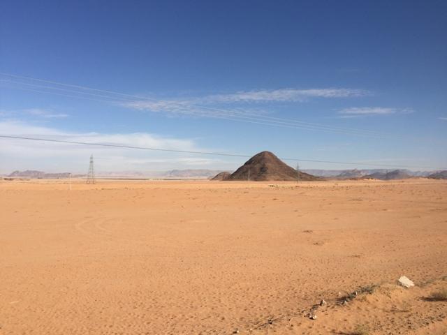 Driving to Wadi Rum 4