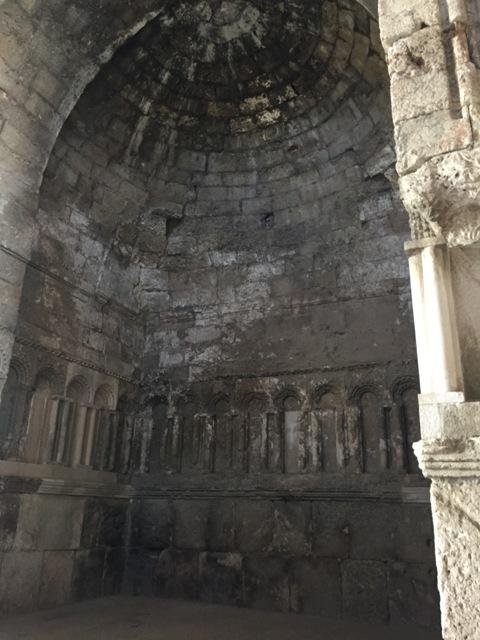 Monumental gateway 13