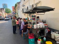 Cintra street noodle stall