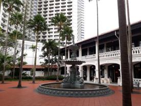 Raffle Hotel courtyard